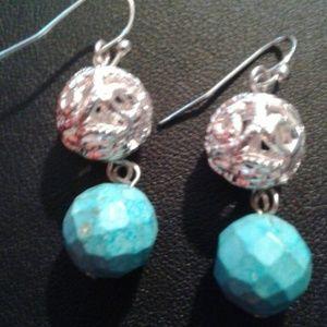 Nwot silver  and aqua beaded earrings